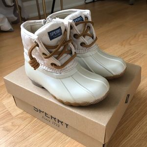 """New """"Sperry"""" saltwater boots size 8"""